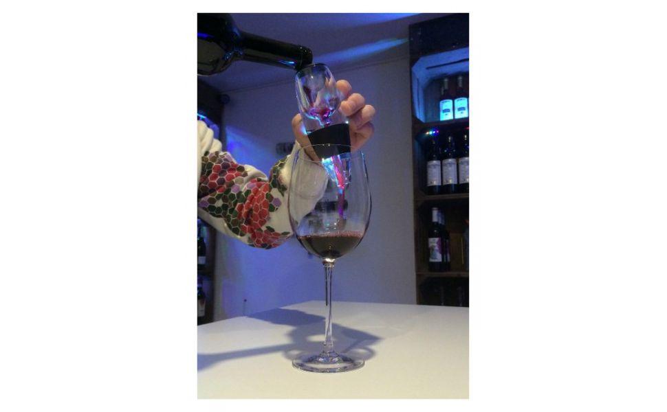 Wijn Bewaren Huis : Wijn decanteren wat is het en hoe werkt het? wijnenkoning.nl